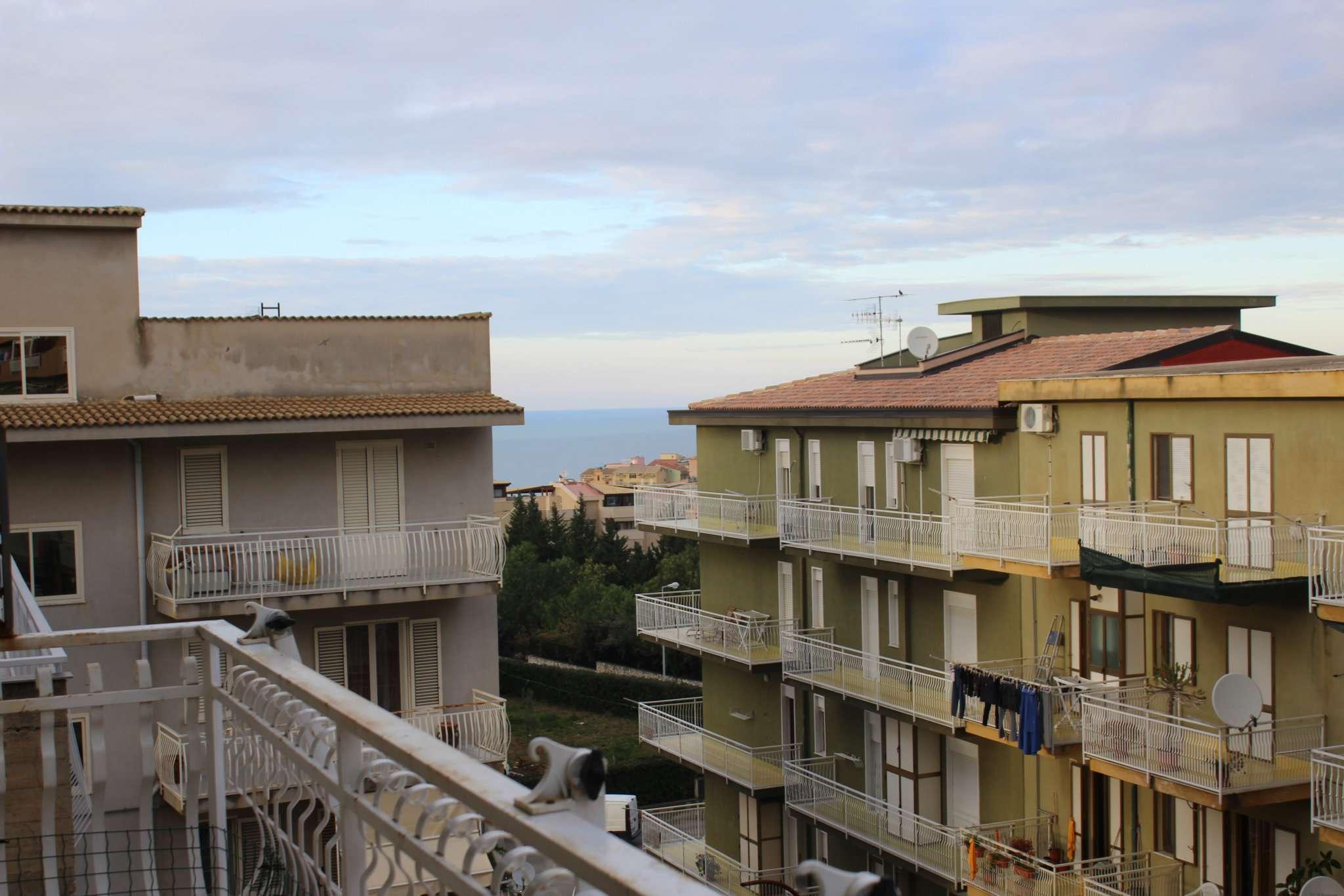 Appartamento in condizioni mediocri in vendita Rif. 8373734
