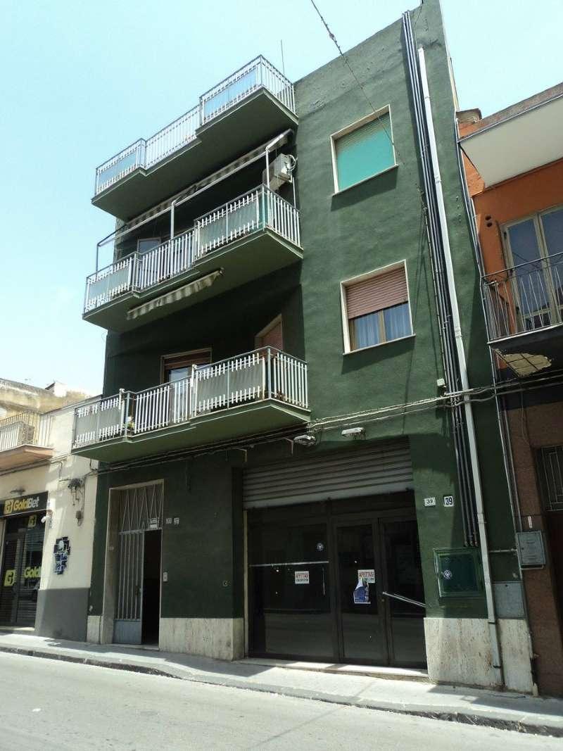 Appartamento in condizioni mediocri in vendita Rif. 5275164