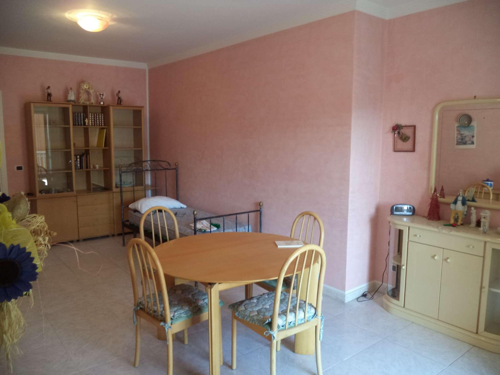 Appartamento in buone condizioni in vendita Rif. 5275223