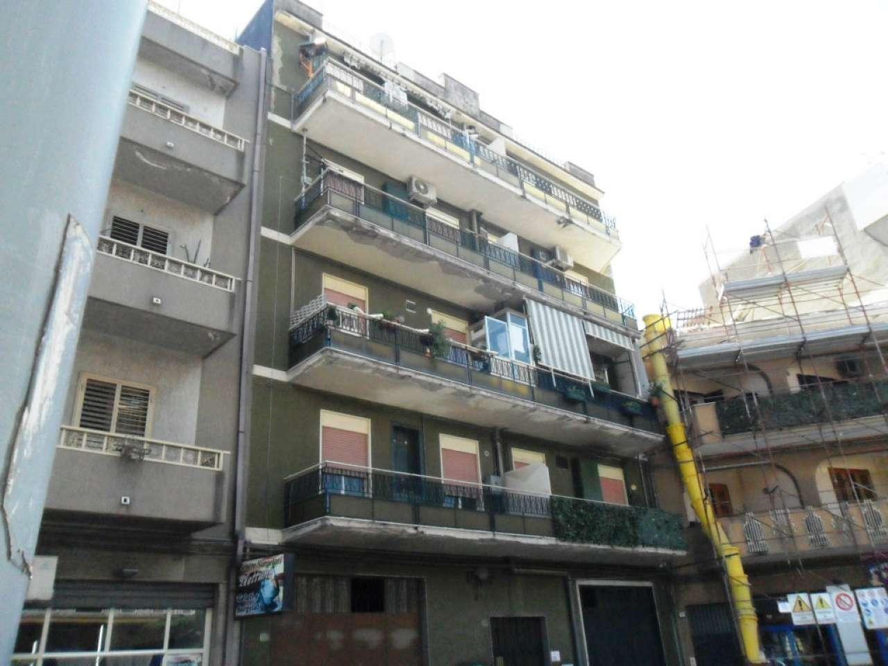 Appartamento da ristrutturare in vendita Rif. 5275349
