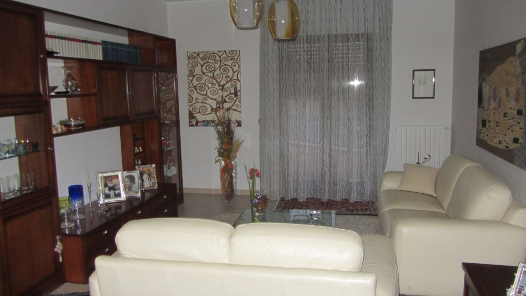 Appartamento 5 locali in vendita a Enna (EN)