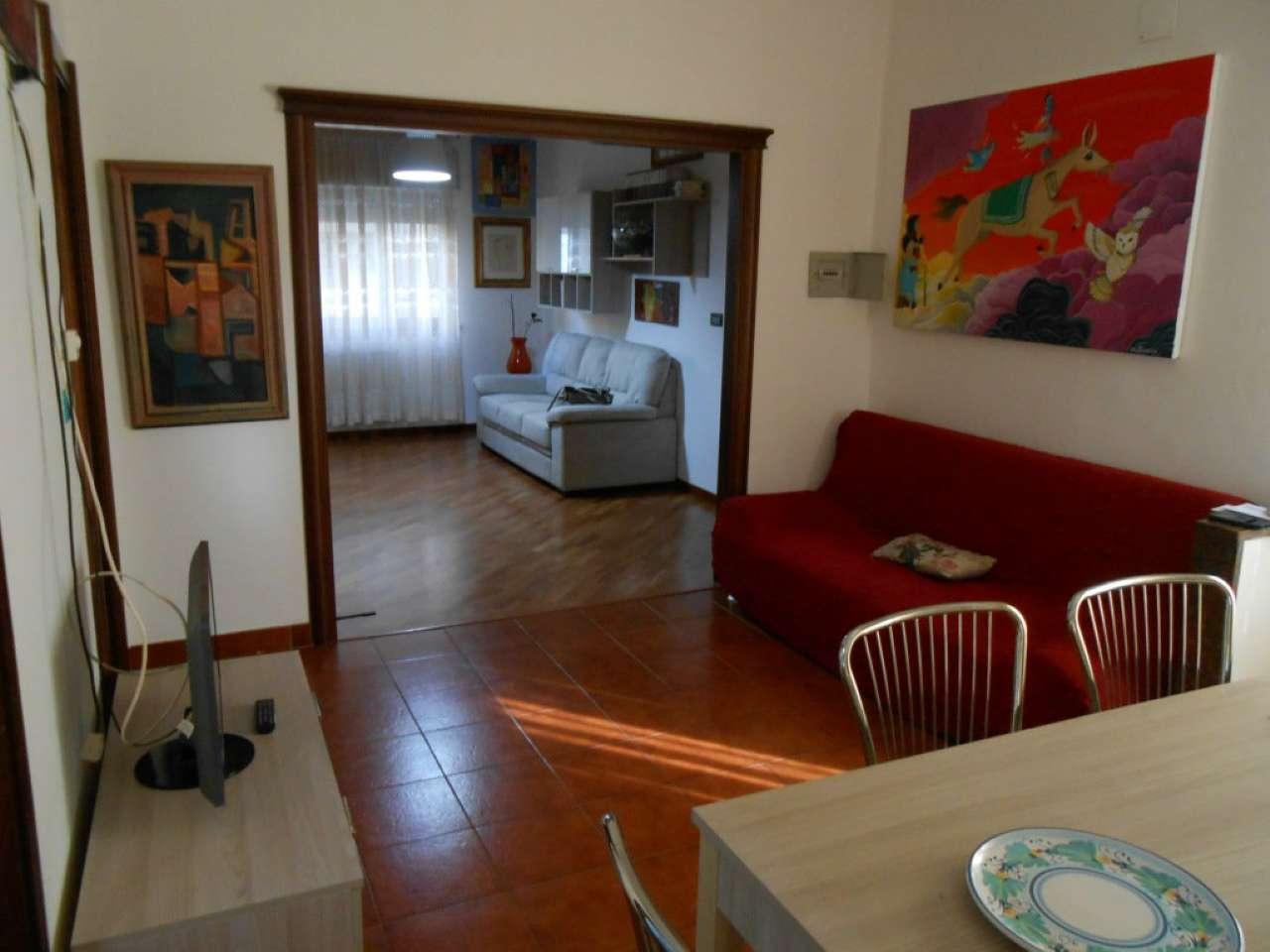 Appartamento in discrete condizioni in vendita Rif. 8806419