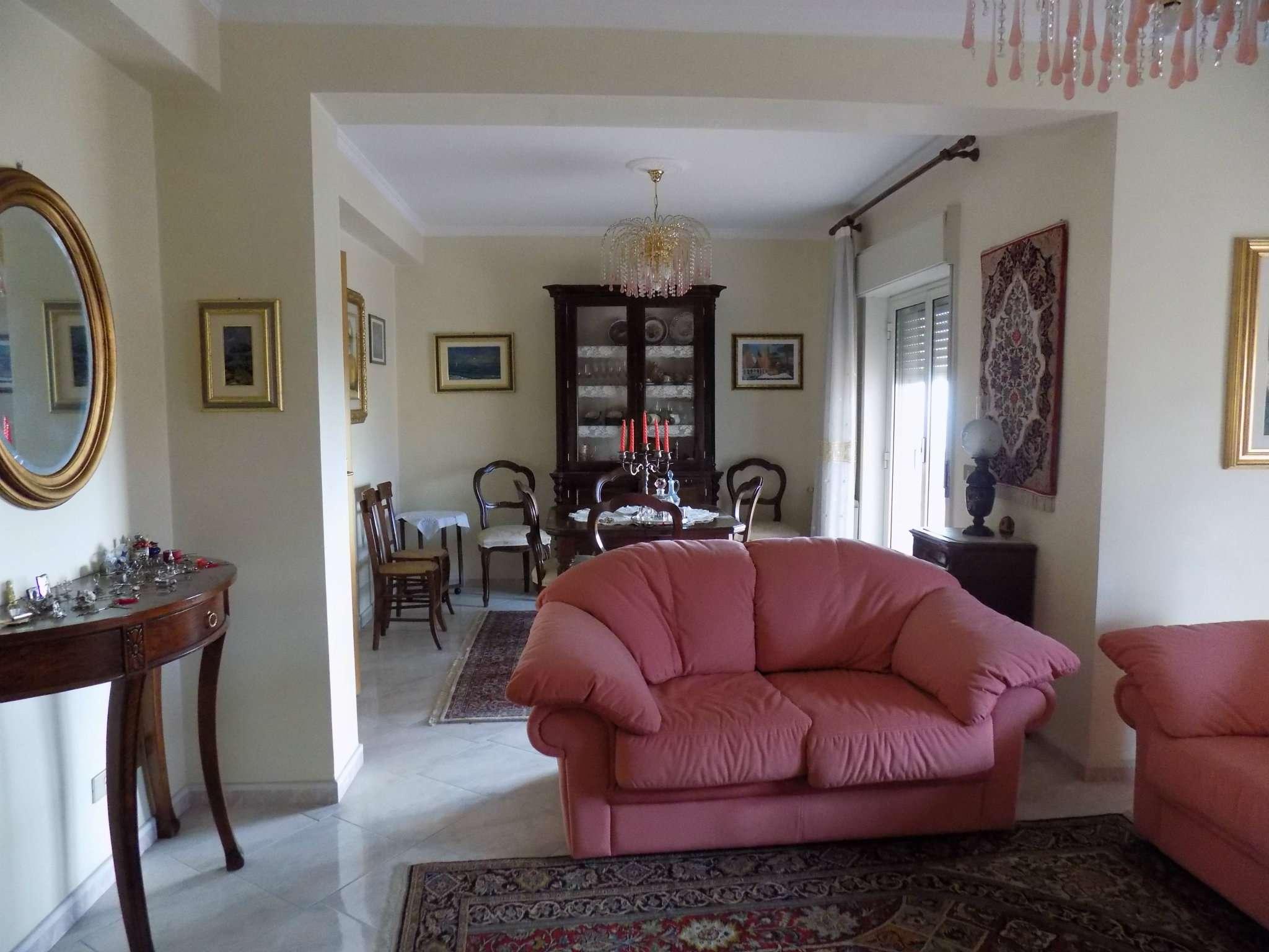 Appartamento in ottime condizioni in vendita Rif. 5275615