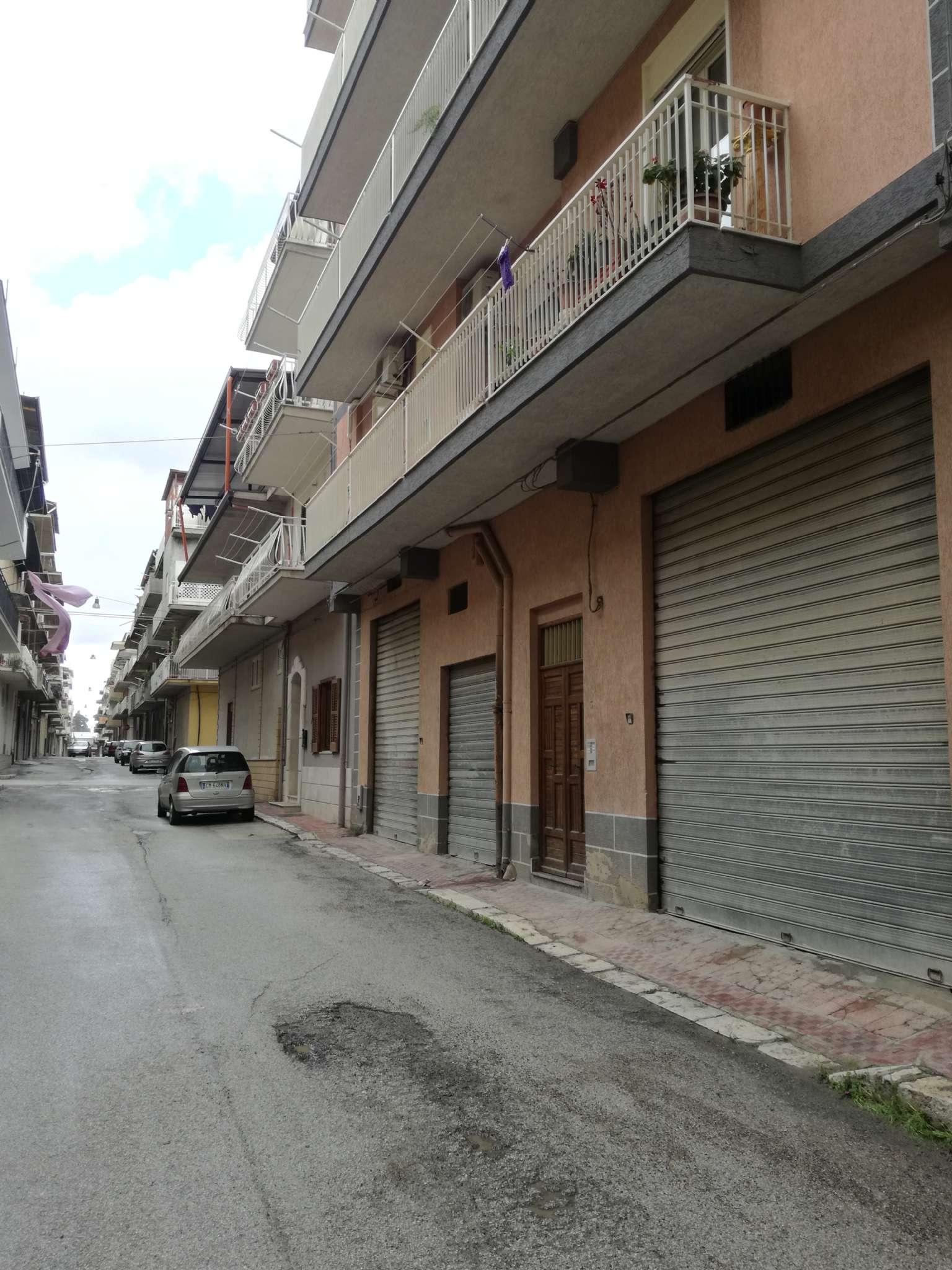 Appartamento 6 locali in vendita a Favara (AG)