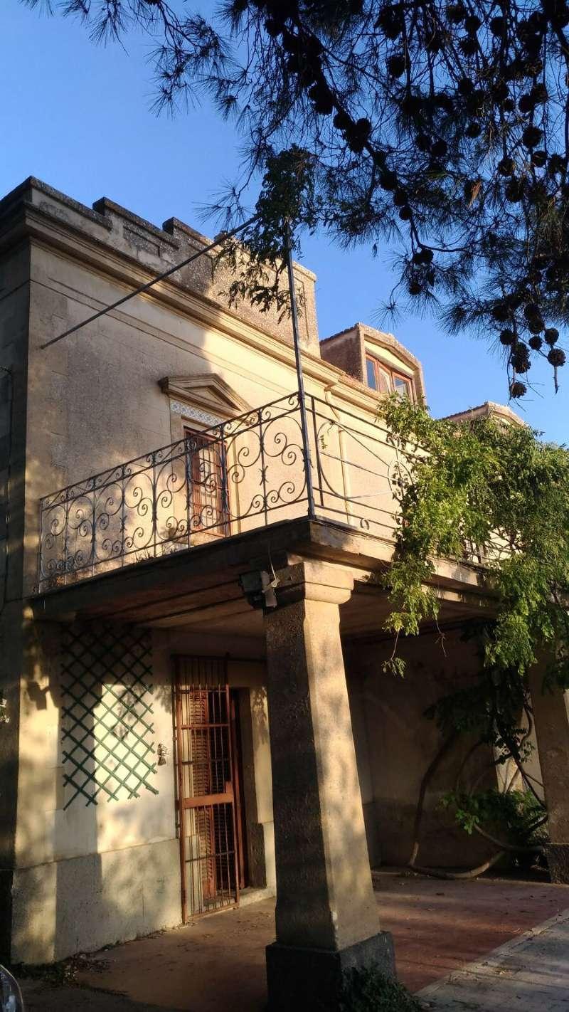 Villa da ristrutturare in vendita Rif. 6776726