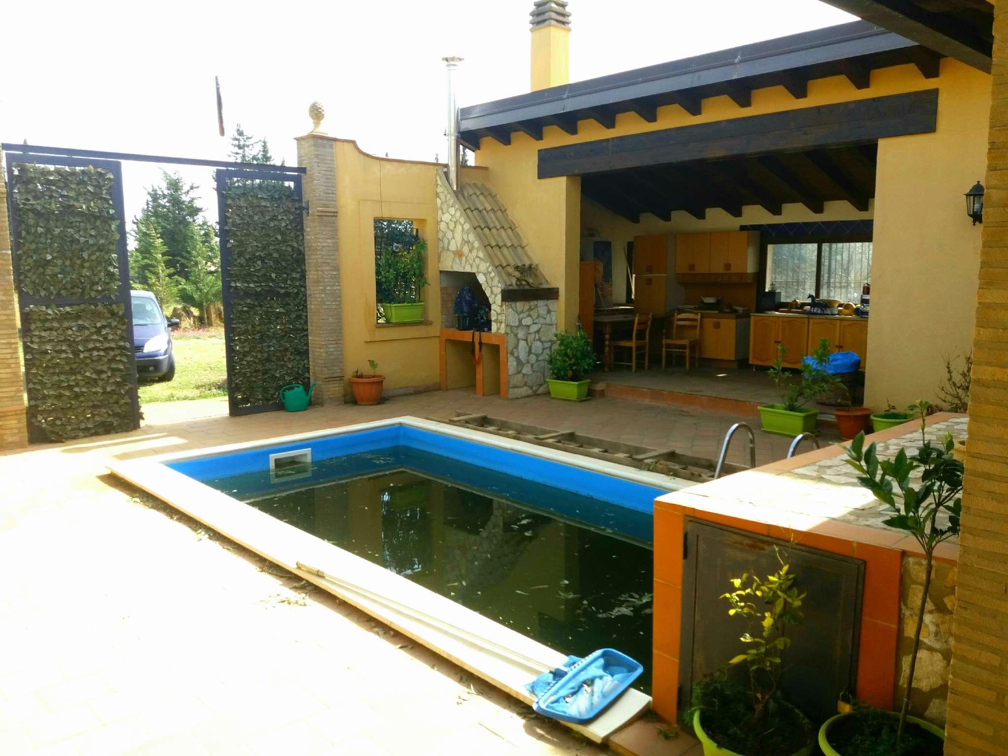 Villa in ottime condizioni in vendita Rif. 7125633