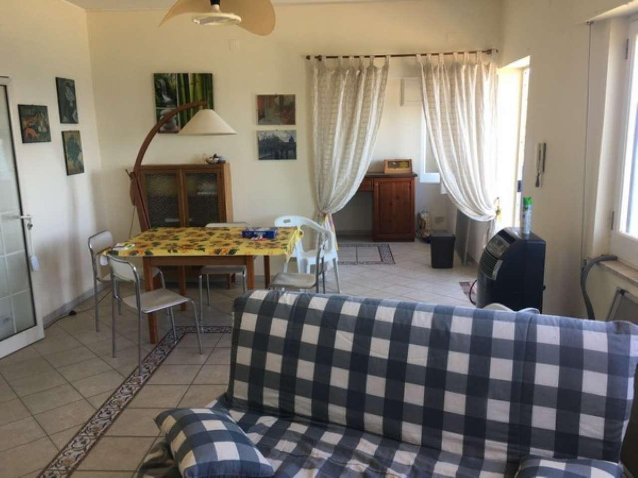 Appartamento in ottime condizioni in vendita Rif. 6978587