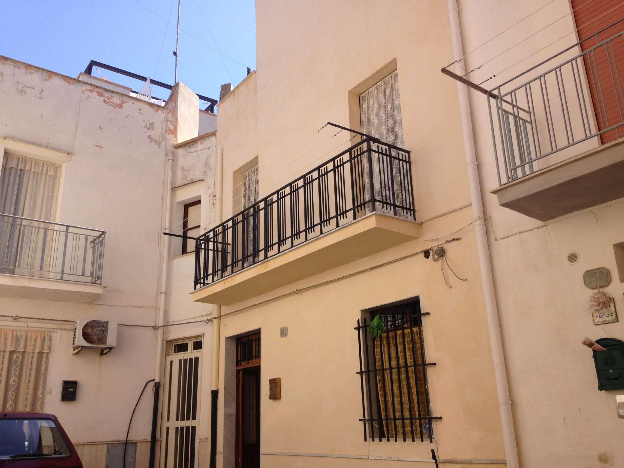 Casa Indipendente in buone condizioni in vendita Rif. 7218557