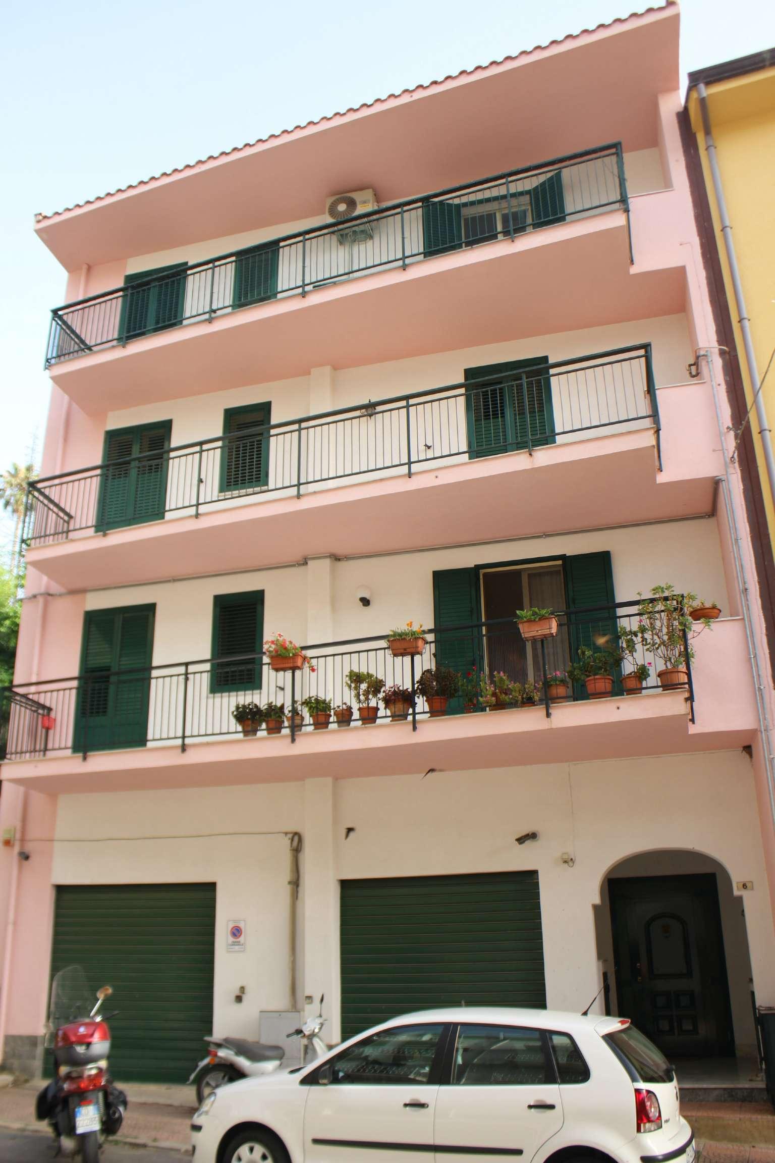 Appartamento in ottime condizioni in vendita Rif. 7338802
