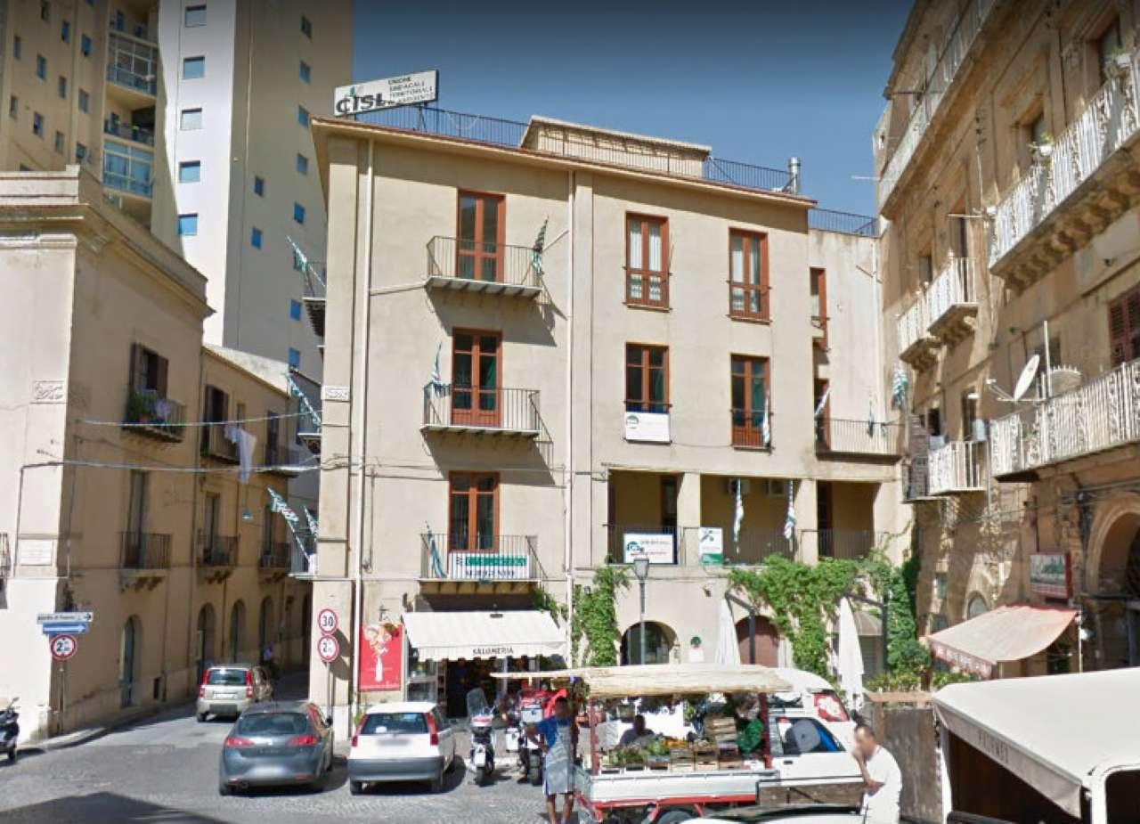 Stabile / Palazzo da ristrutturare in vendita Rif. 7350085