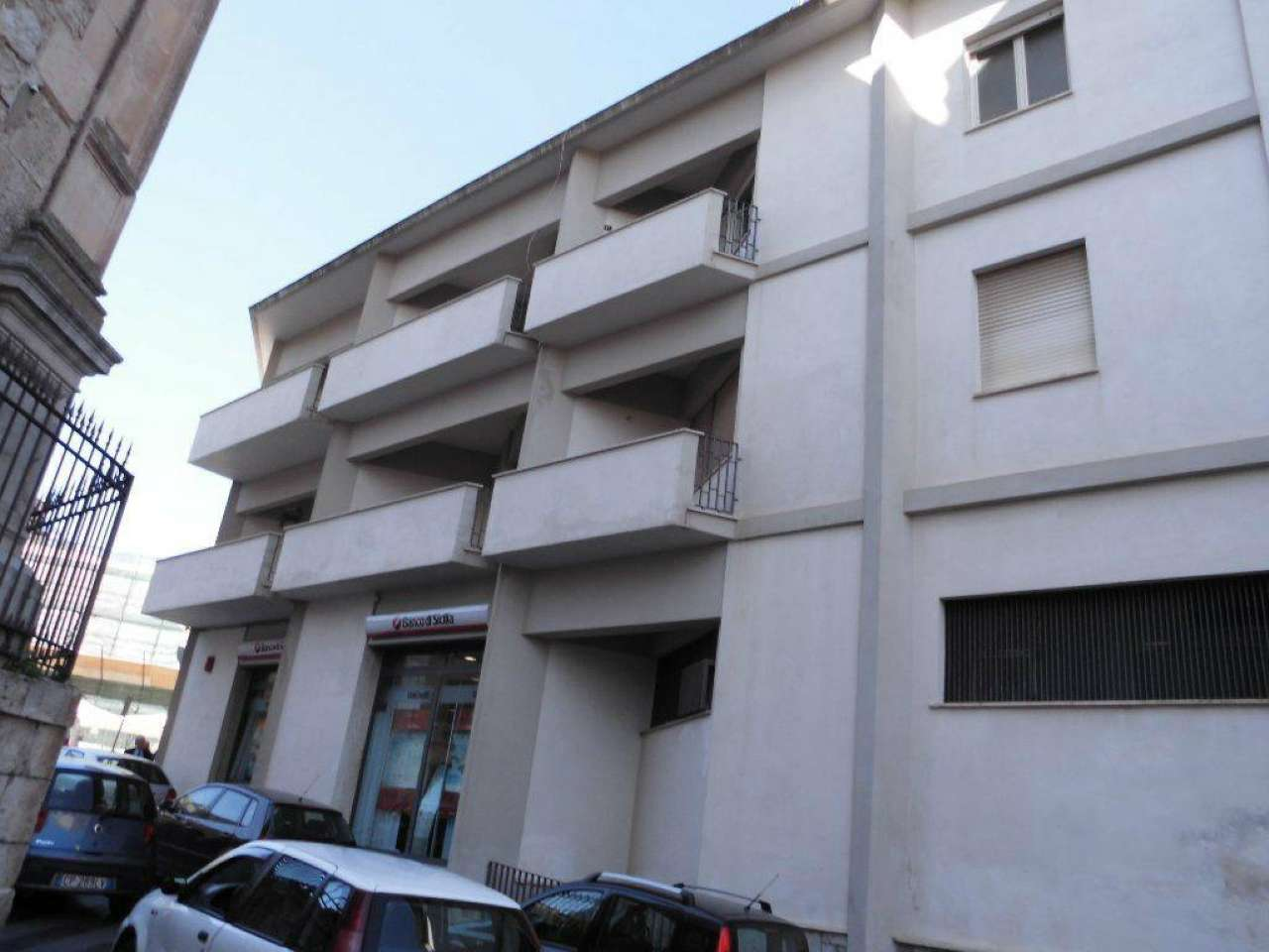 Quadrilocale con due balconi e terrazzo