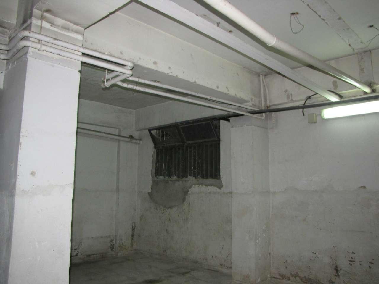 Negozio su due piani e con vetrine in zona centrale, foto 5