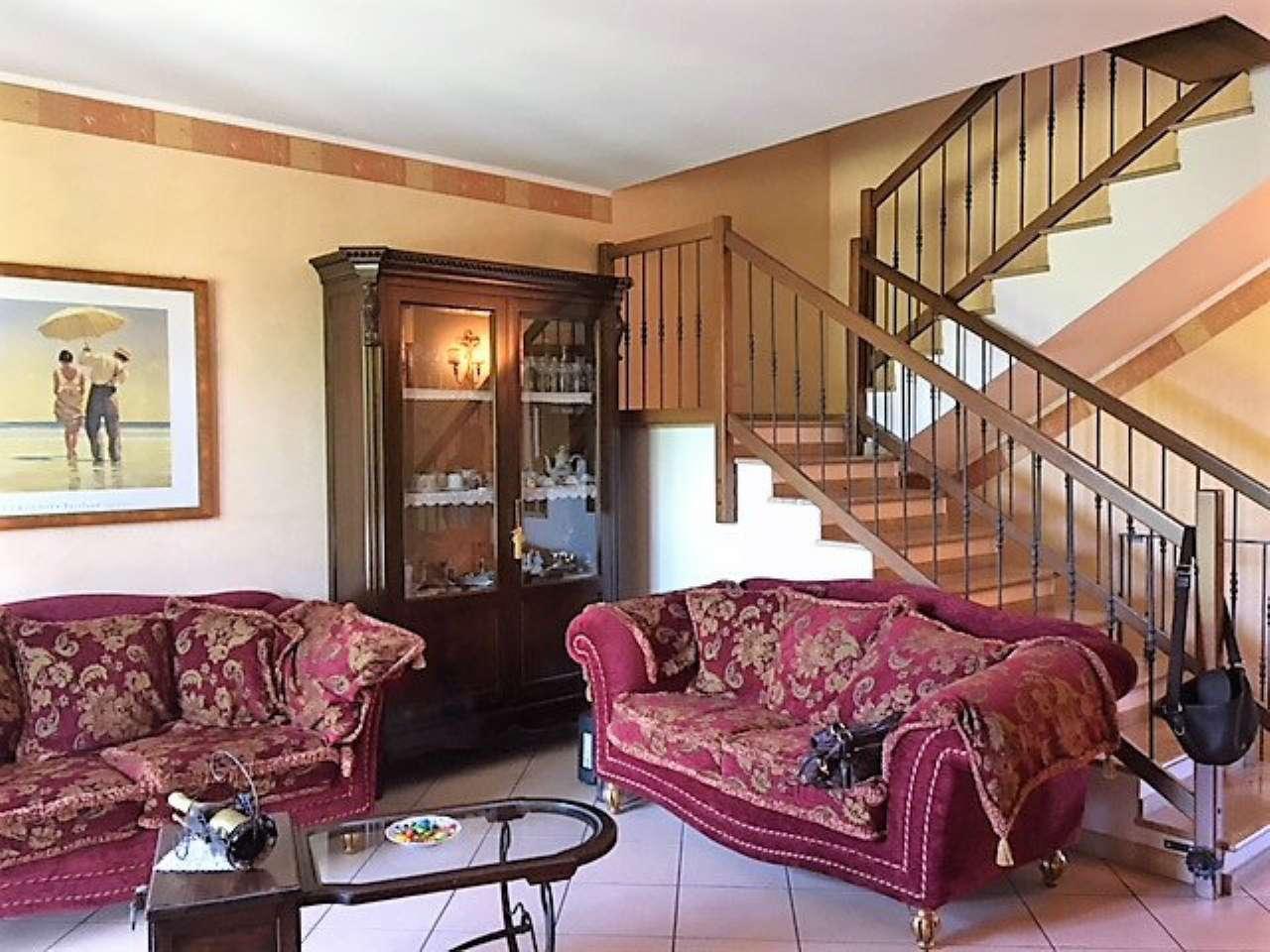 Villa in ottime condizioni in vendita Rif. 8649884