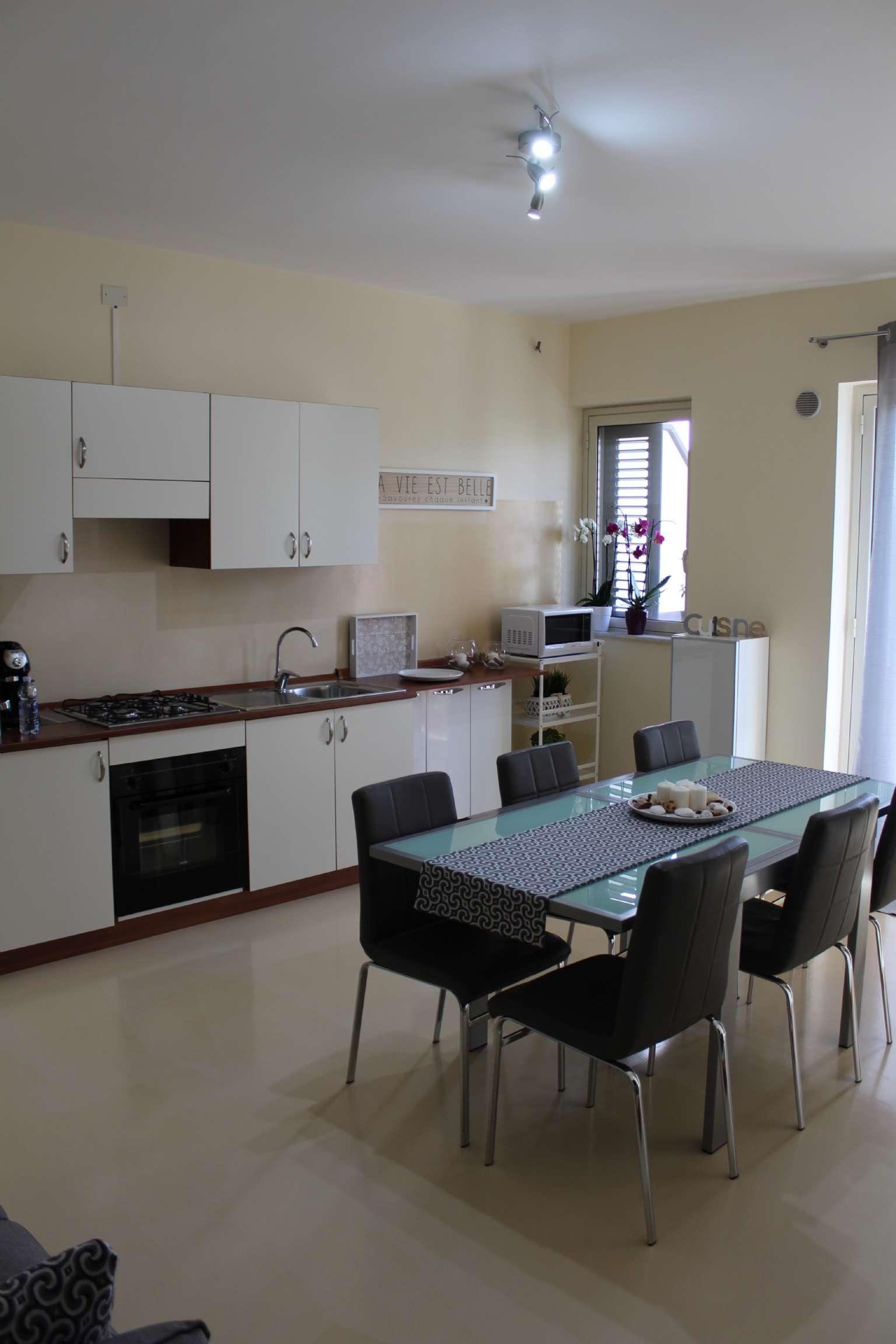 Appartamento arredato in vendita Rif. 7559552