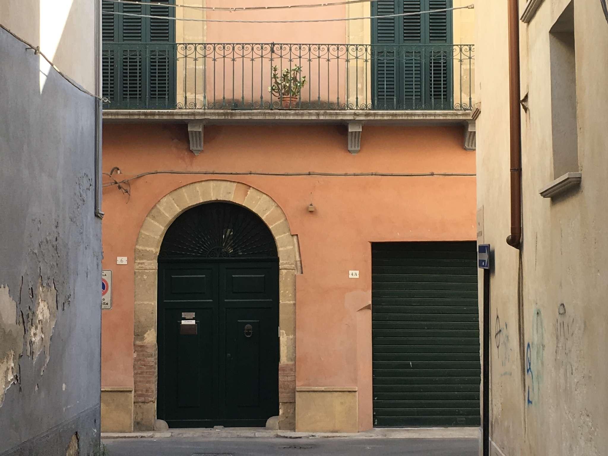 Casa Indipendente in ottime condizioni parzialmente arredato in vendita Rif. 7632333