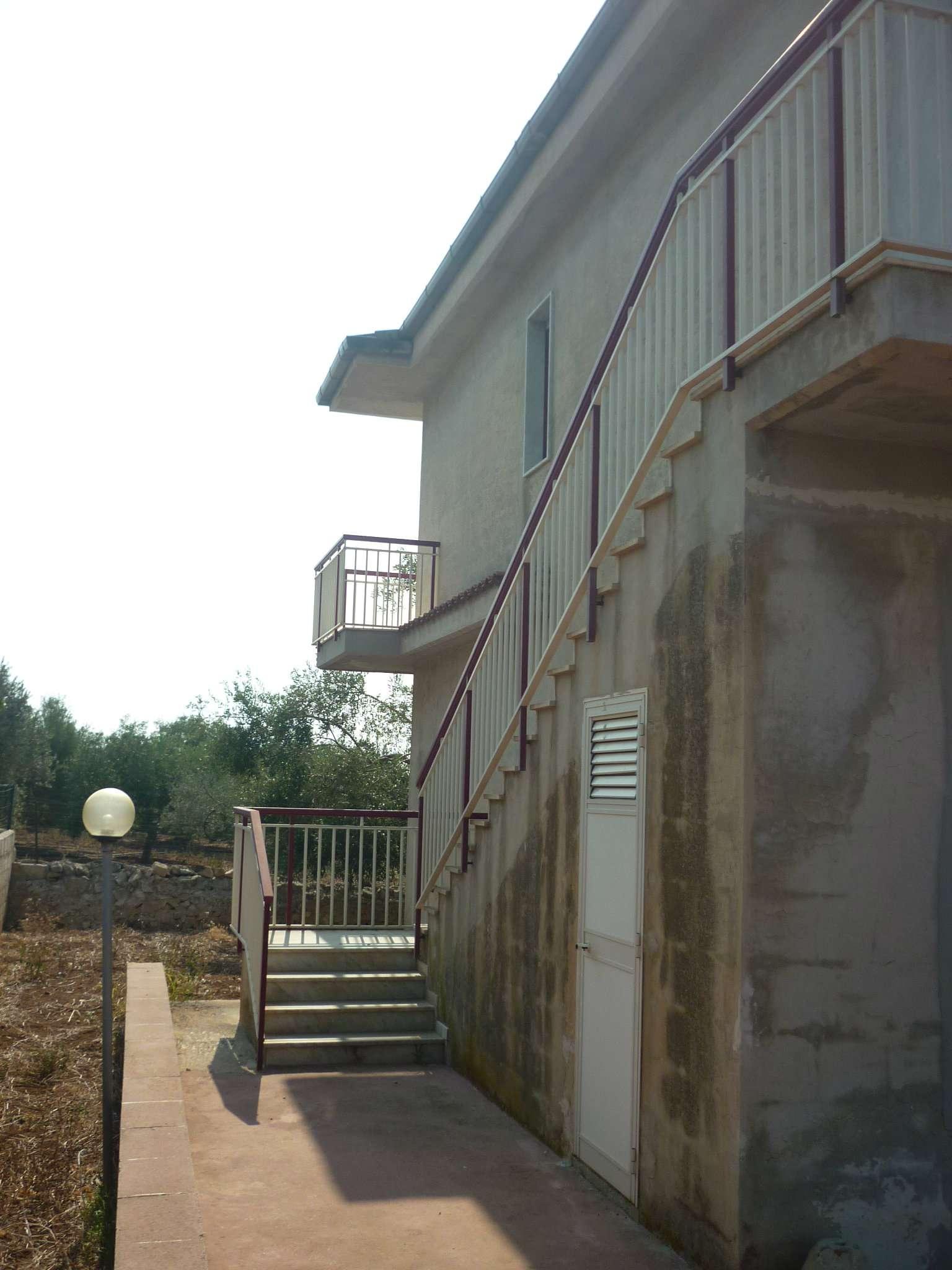 Villetta indipendente con ampi spazi di pertinenza