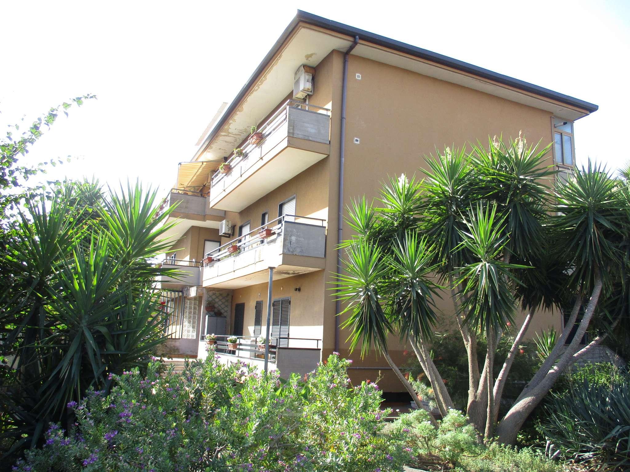 Appartamento in buone condizioni in vendita Rif. 7994730