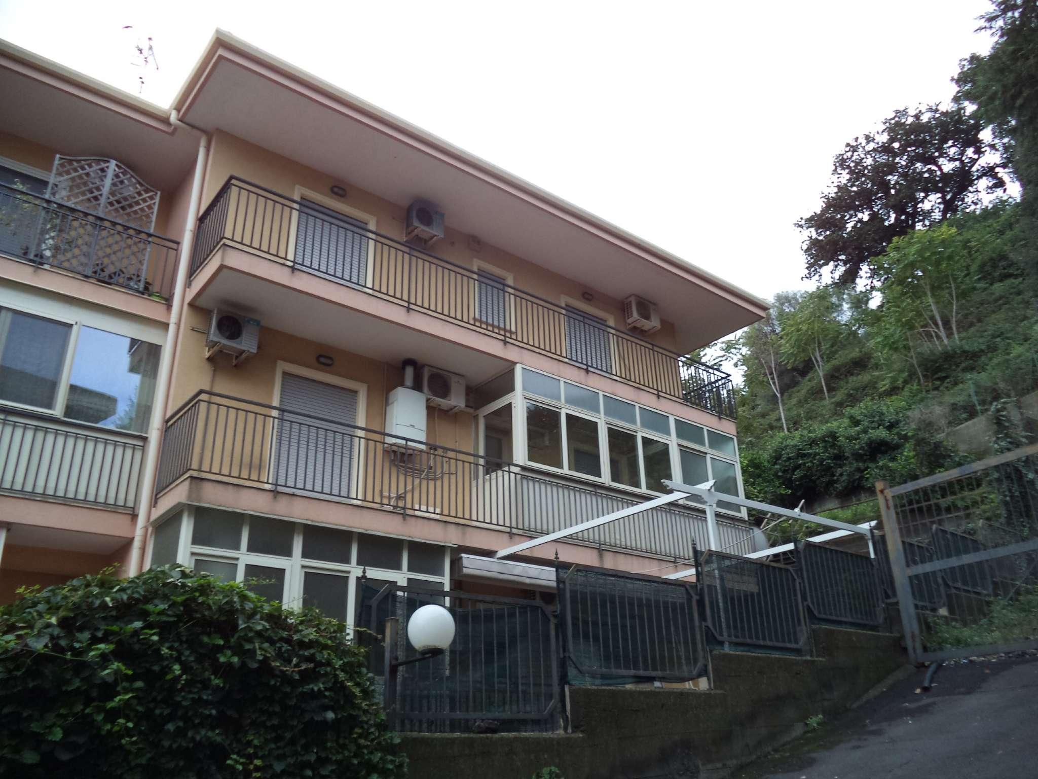 Trilocale su due livelli con veranda e garage