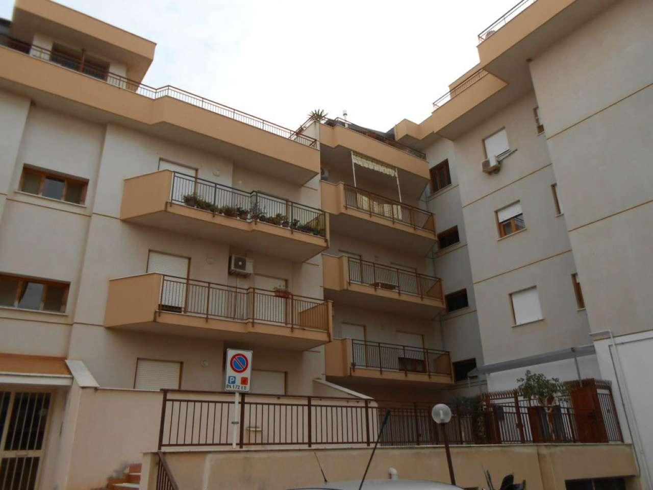 Ampio appartamento con due terrazzi