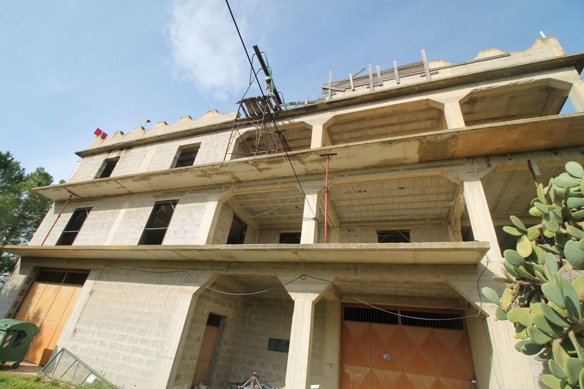 Villetta a schiera da ristrutturare in vendita Rif. 8913178