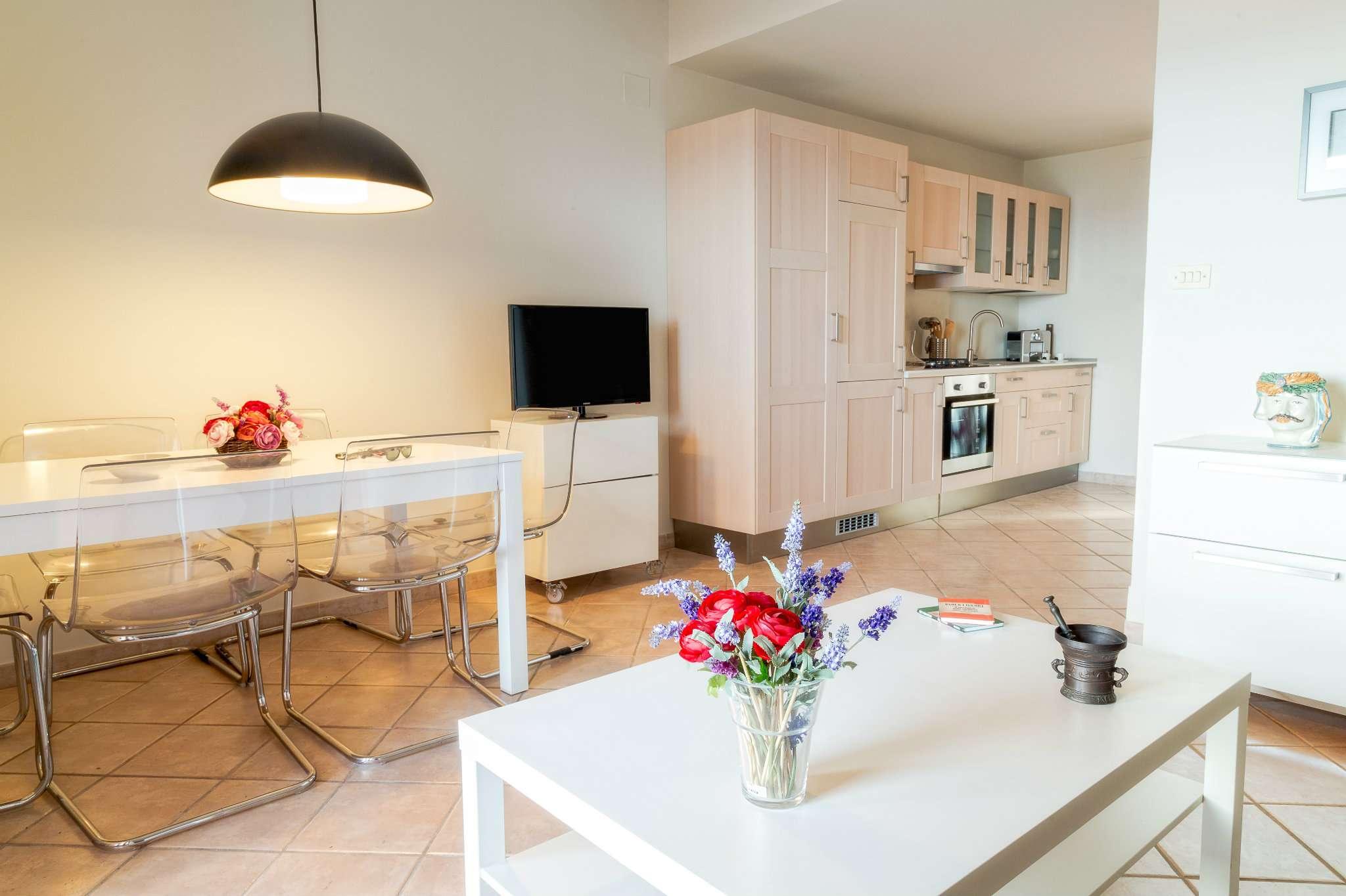 Villetta a schiera in ottime condizioni arredato in vendita Rif. 8900005