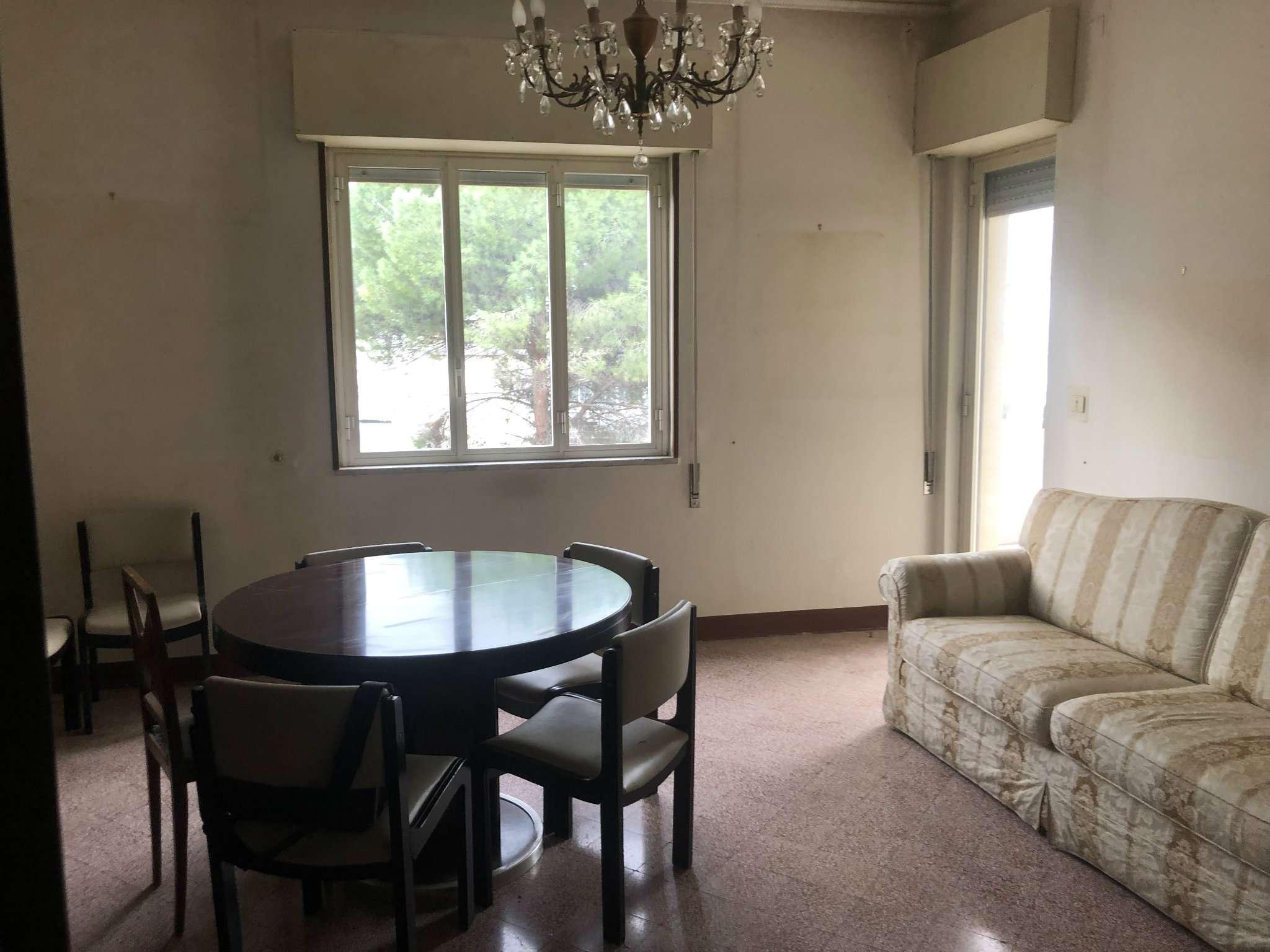 Appartamento da ristrutturare in vendita Rif. 8899999