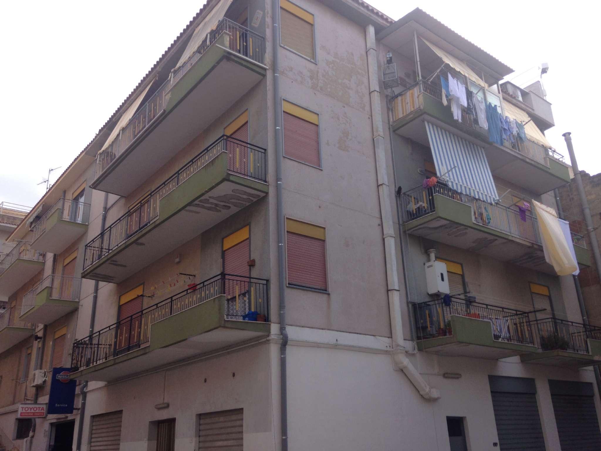 Appartamento in buone condizioni in vendita Rif. 8899997