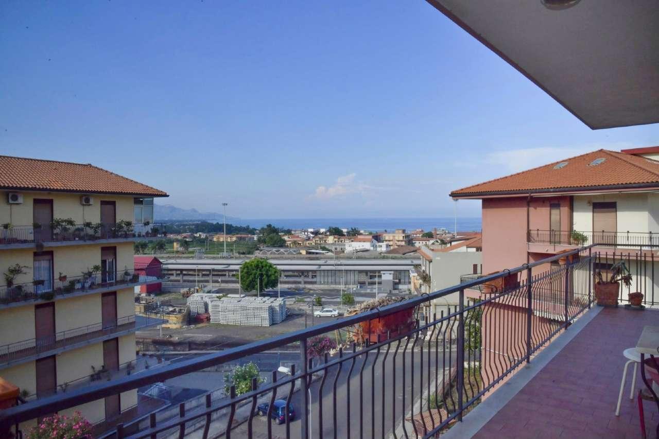 Panoramico ed ampio appartamento con grandi balconi e garage