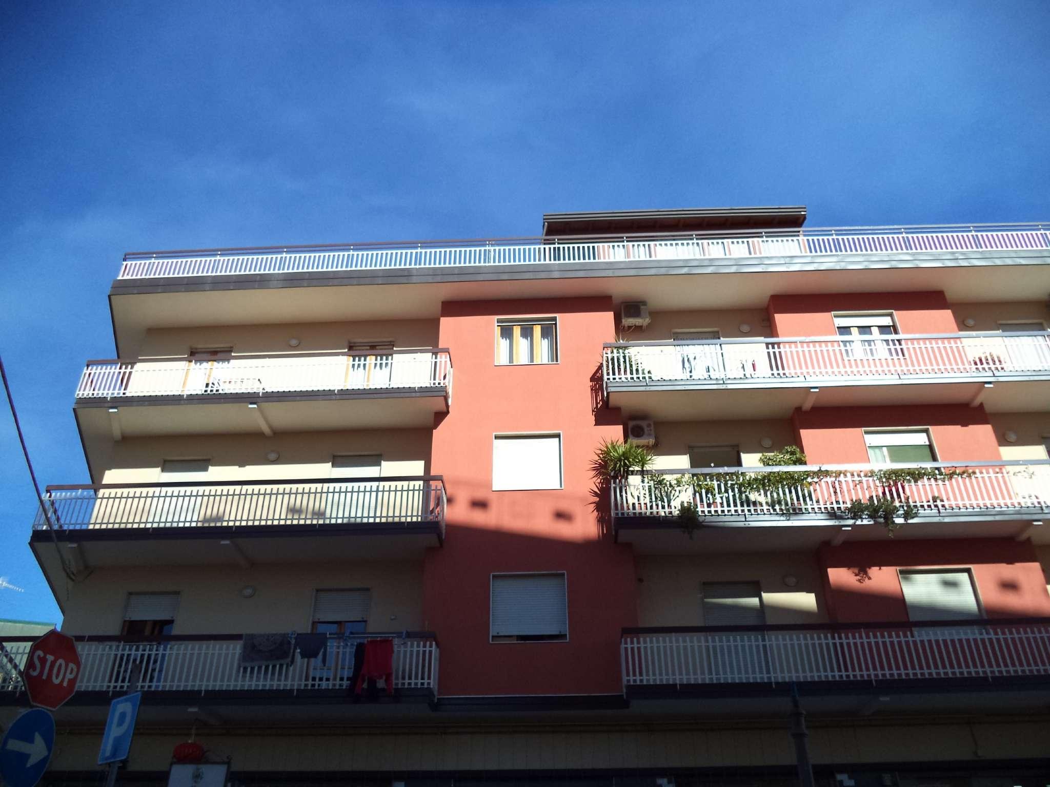 Appartamento da ristrutturare in vendita Rif. 9261280