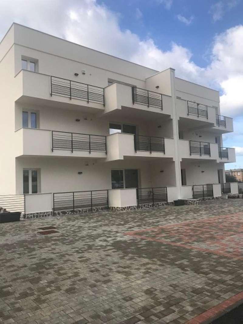 Appartamento parzialmente arredato in vendita Rif. 9275403