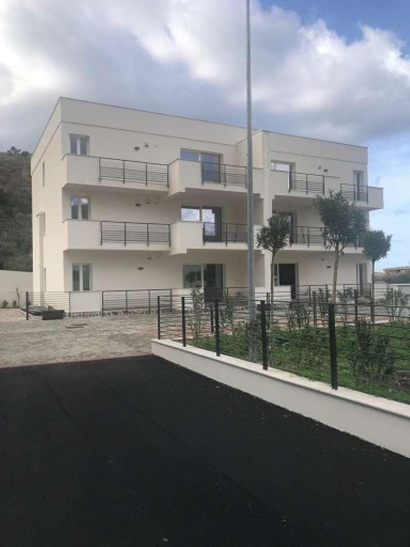 Appartamento parzialmente arredato in vendita Rif. 9275407