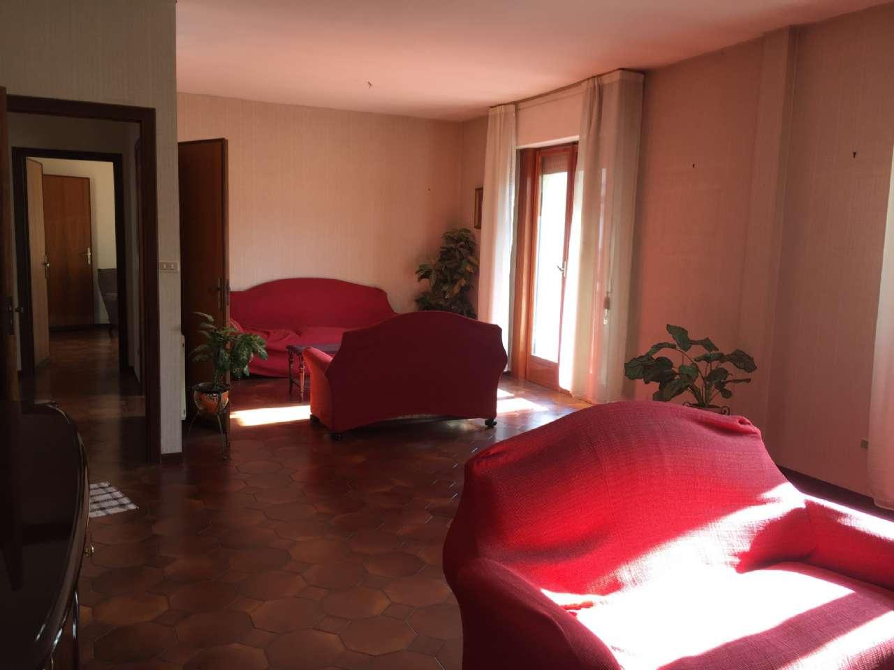 Quadrilocale, Via Ercole Bernabei, zona Malaspina, Palermo, foto 0