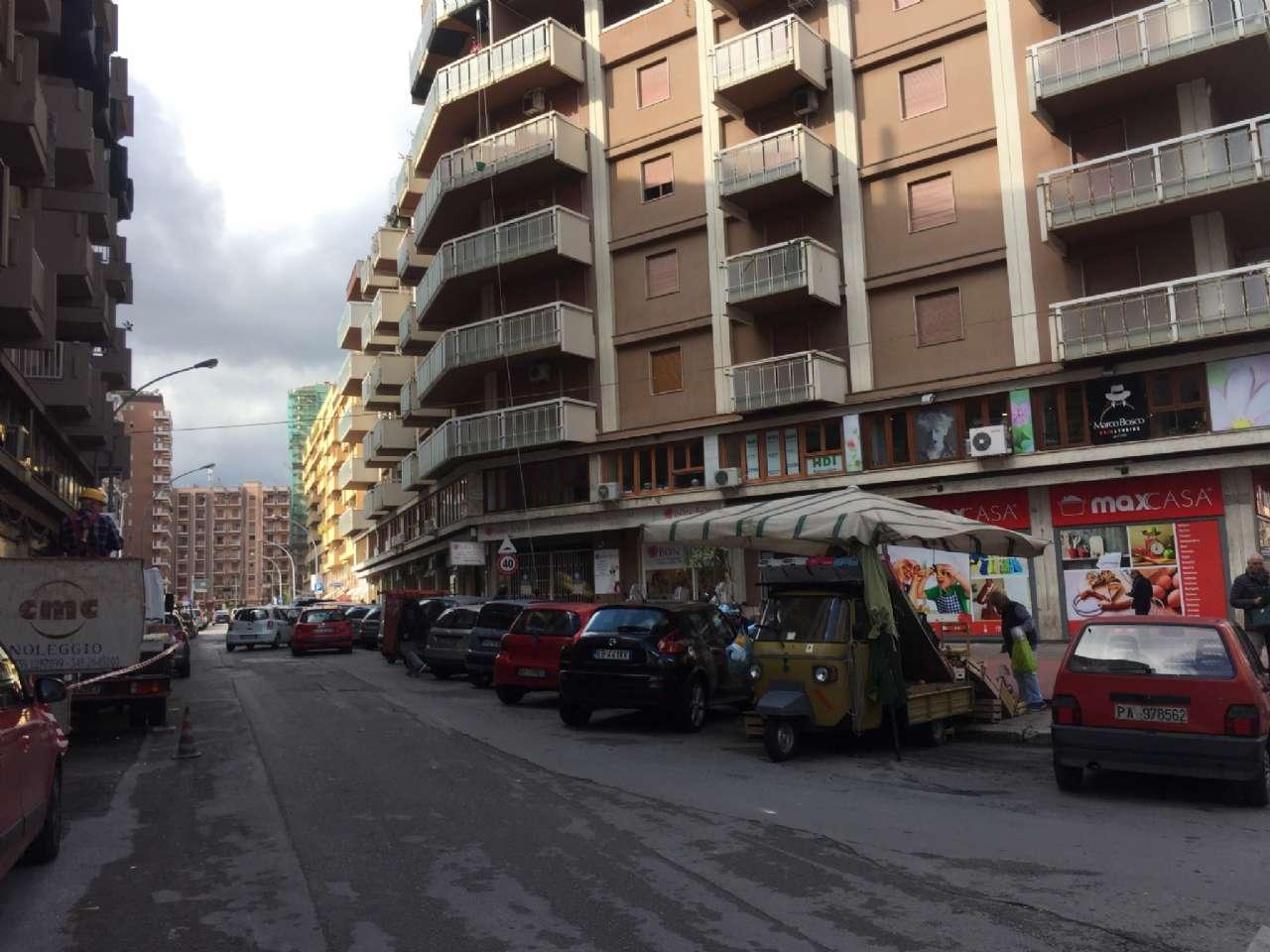 Quadrilocale, Via Ercole Bernabei, zona Malaspina, Palermo, foto 19