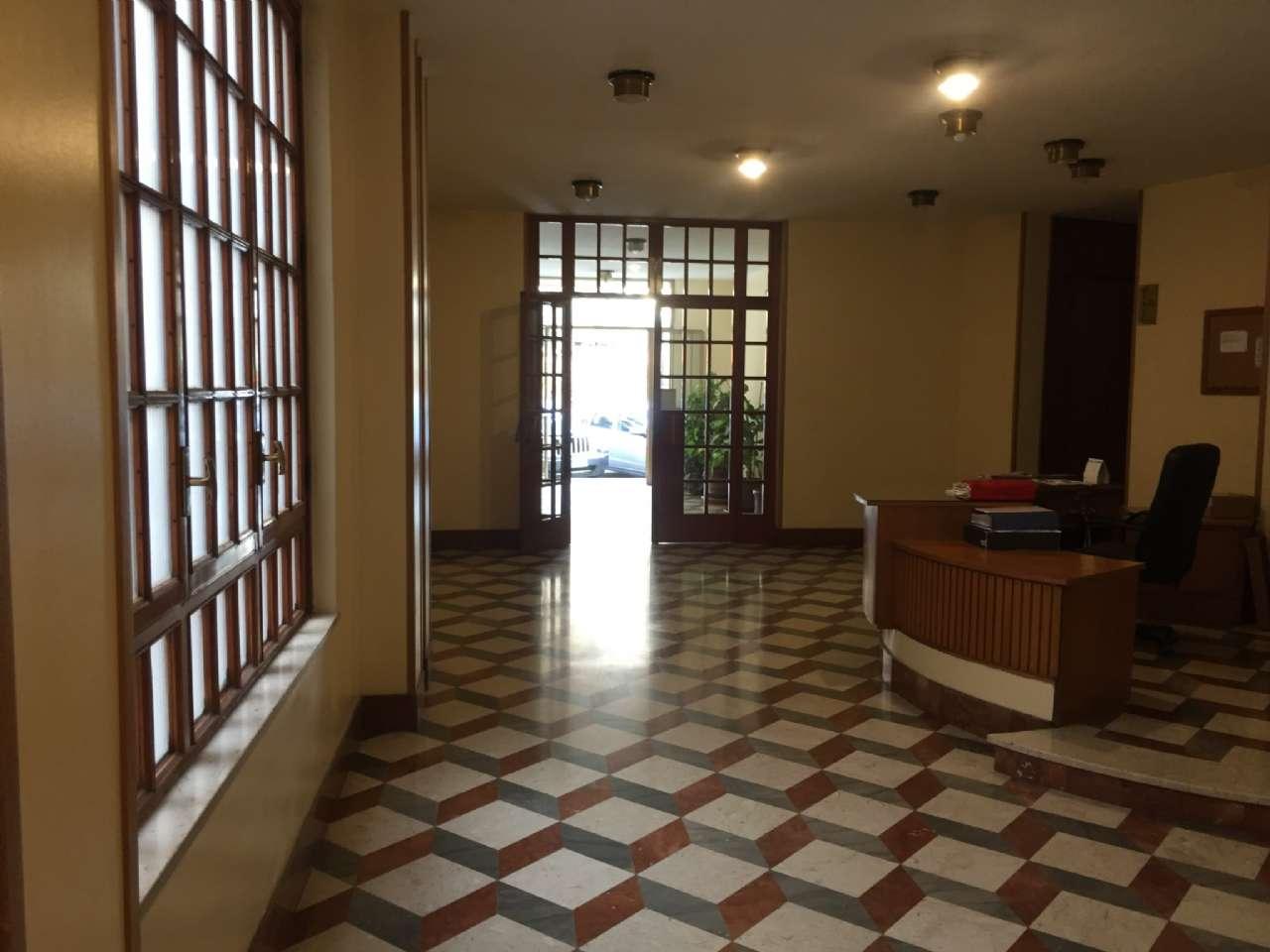 Quadrilocale, Via Ercole Bernabei, zona Malaspina, Palermo, foto 16