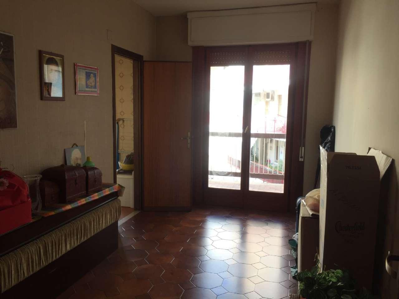 Quadrilocale, Via Ercole Bernabei, zona Malaspina, Palermo, foto 5