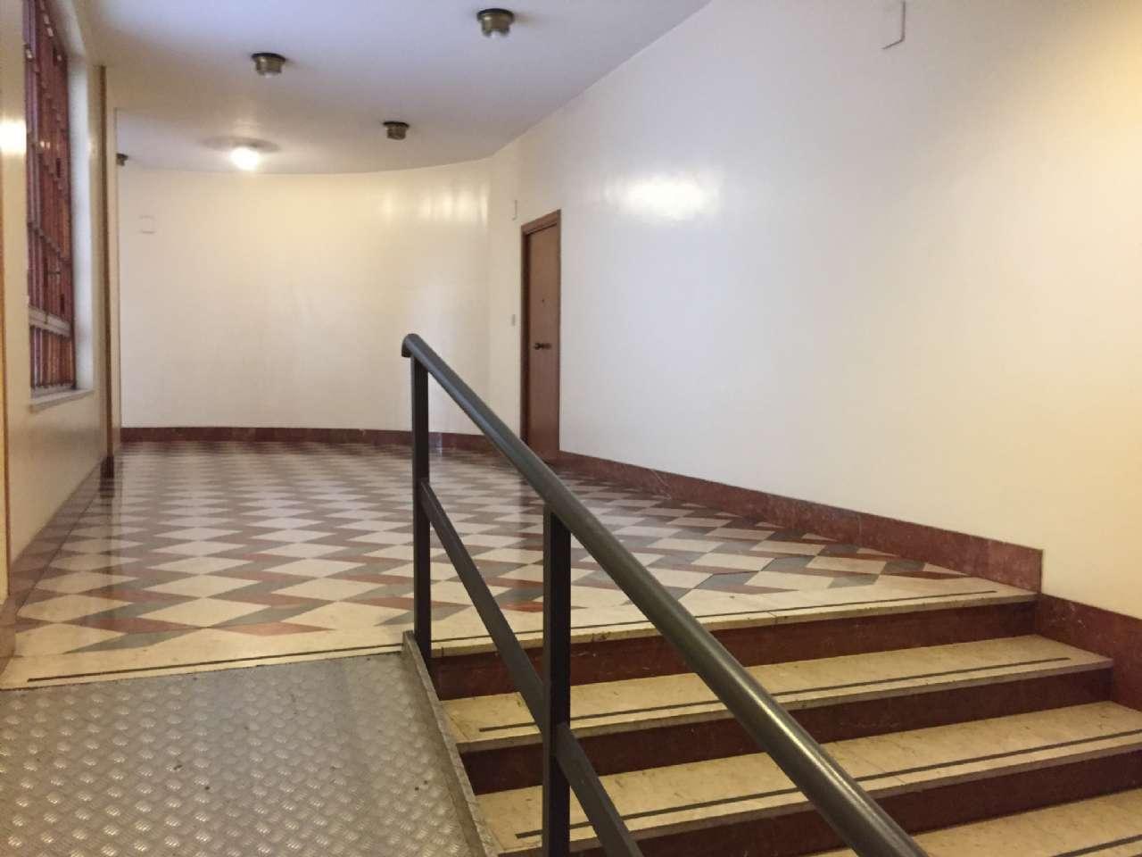 Quadrilocale, Via Ercole Bernabei, zona Malaspina, Palermo, foto 13