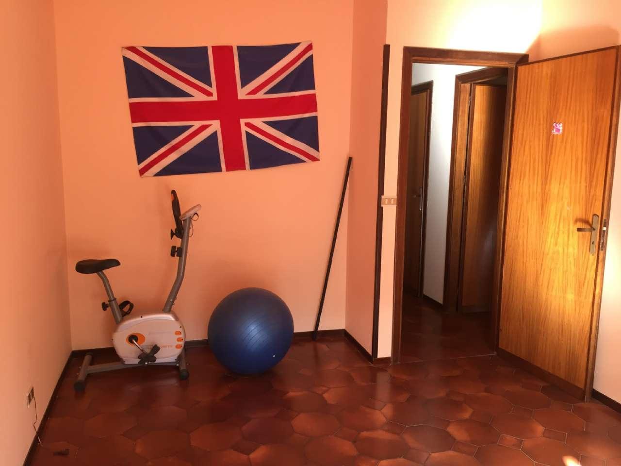 Quadrilocale, Via Ercole Bernabei, zona Malaspina, Palermo, foto 7