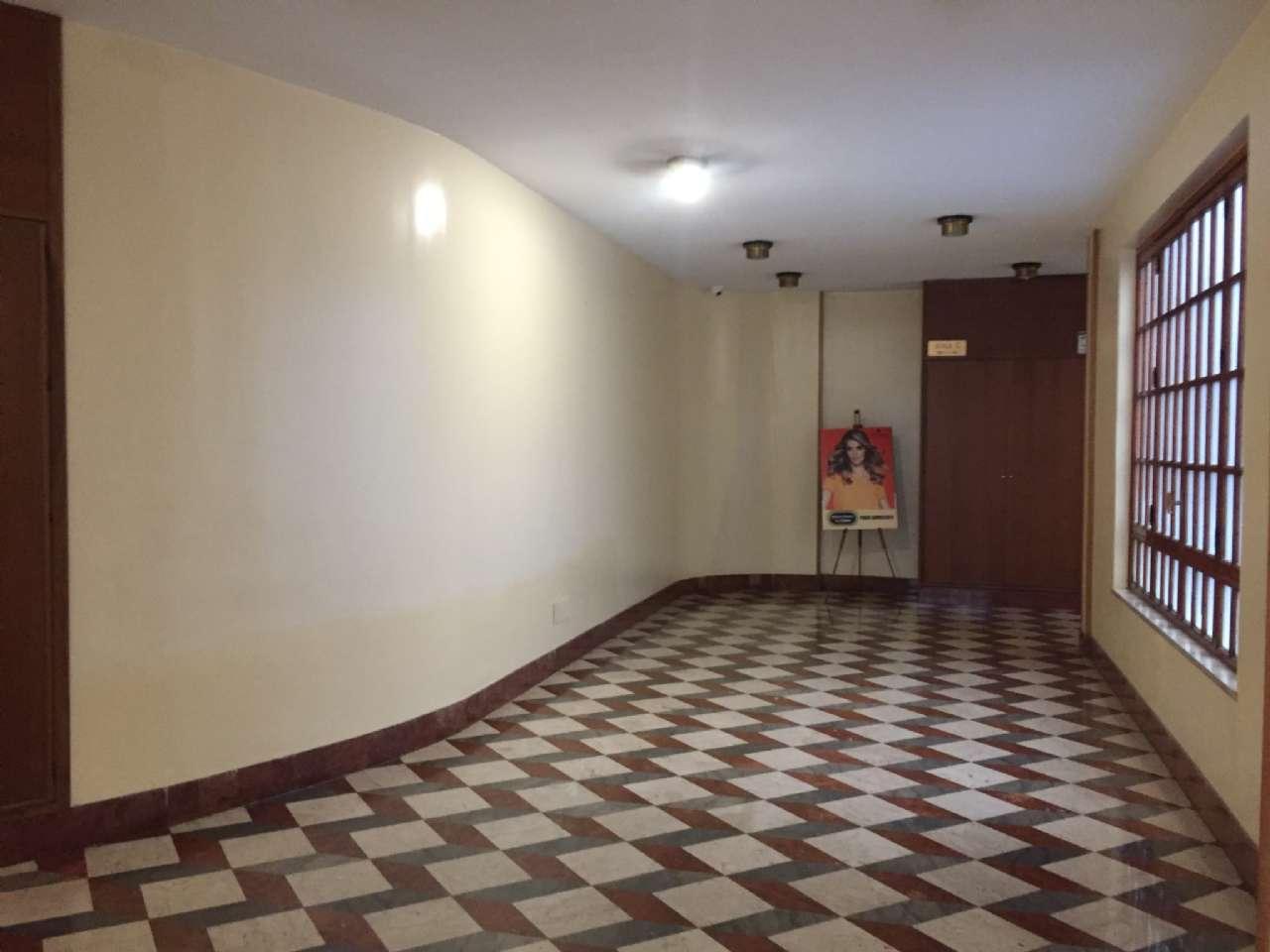 Quadrilocale, Via Ercole Bernabei, zona Malaspina, Palermo, foto 14