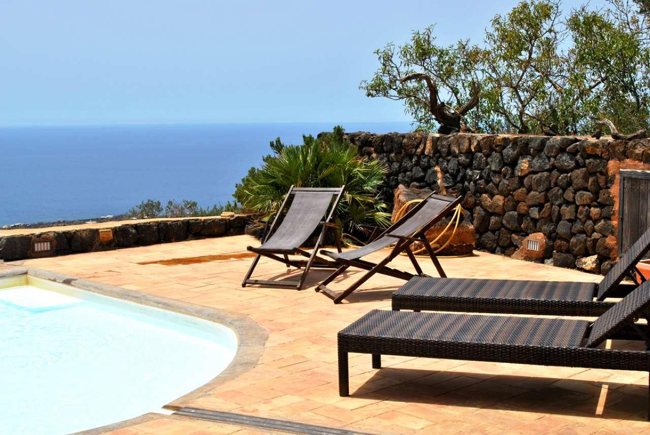 Pantelleria (TP) -Località Bonsulton - Dammusi con piscina, foto 2