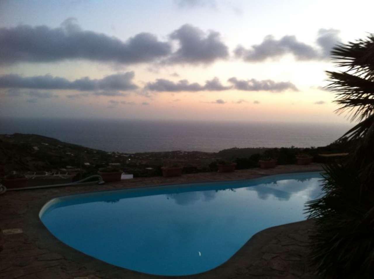 Pantelleria (TP) -Località Bonsulton - Dammusi con piscina, foto 1