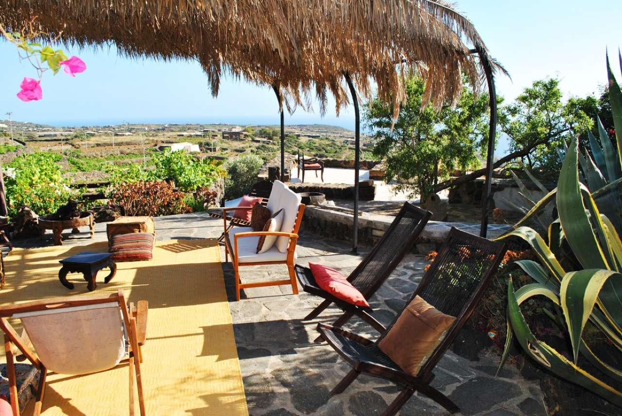 Pantelleria (TP) -Località Bonsulton - Dammusi con piscina, foto 9