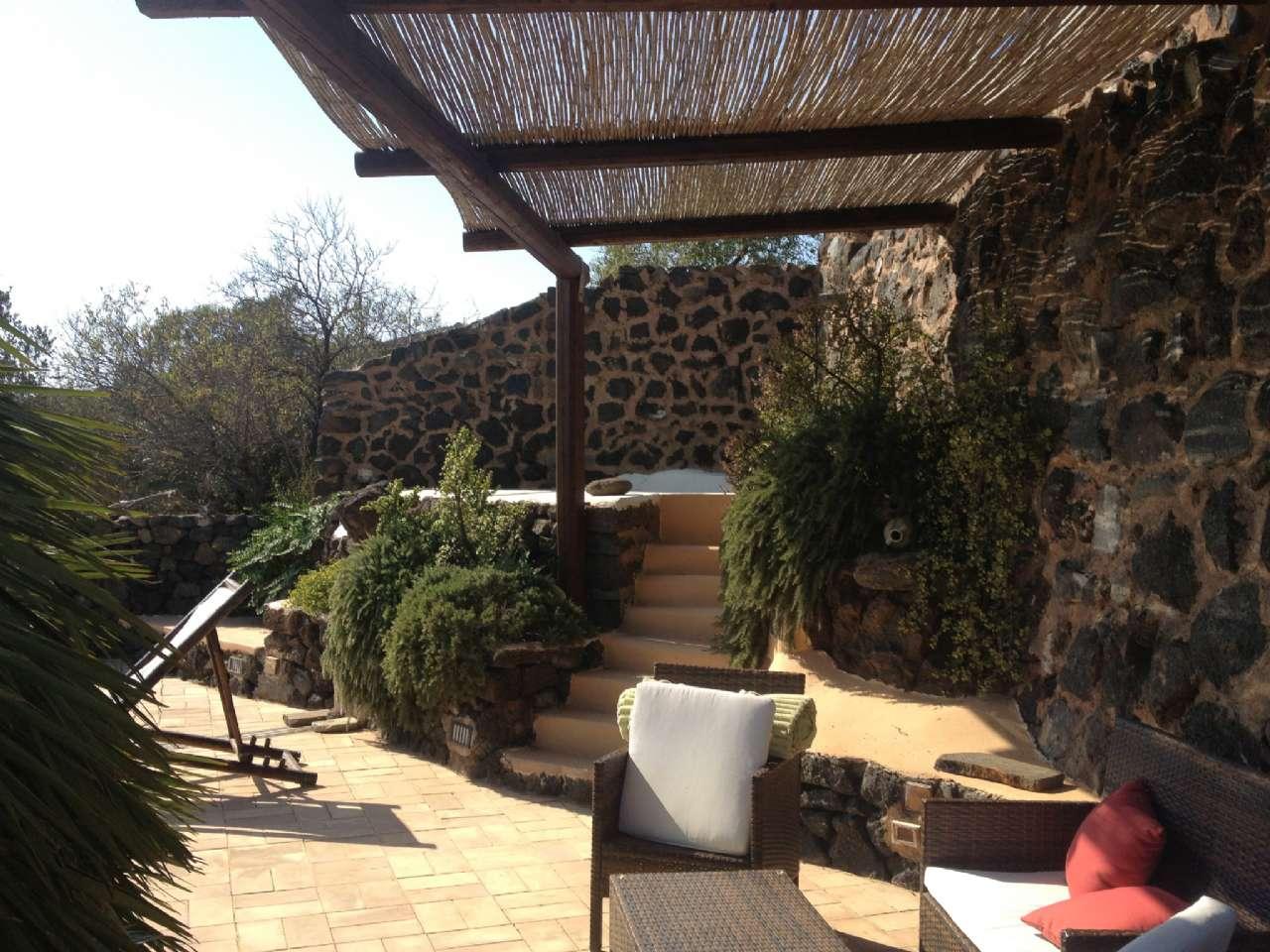 Pantelleria (TP) -Località Bonsulton - Dammusi con piscina, foto 13