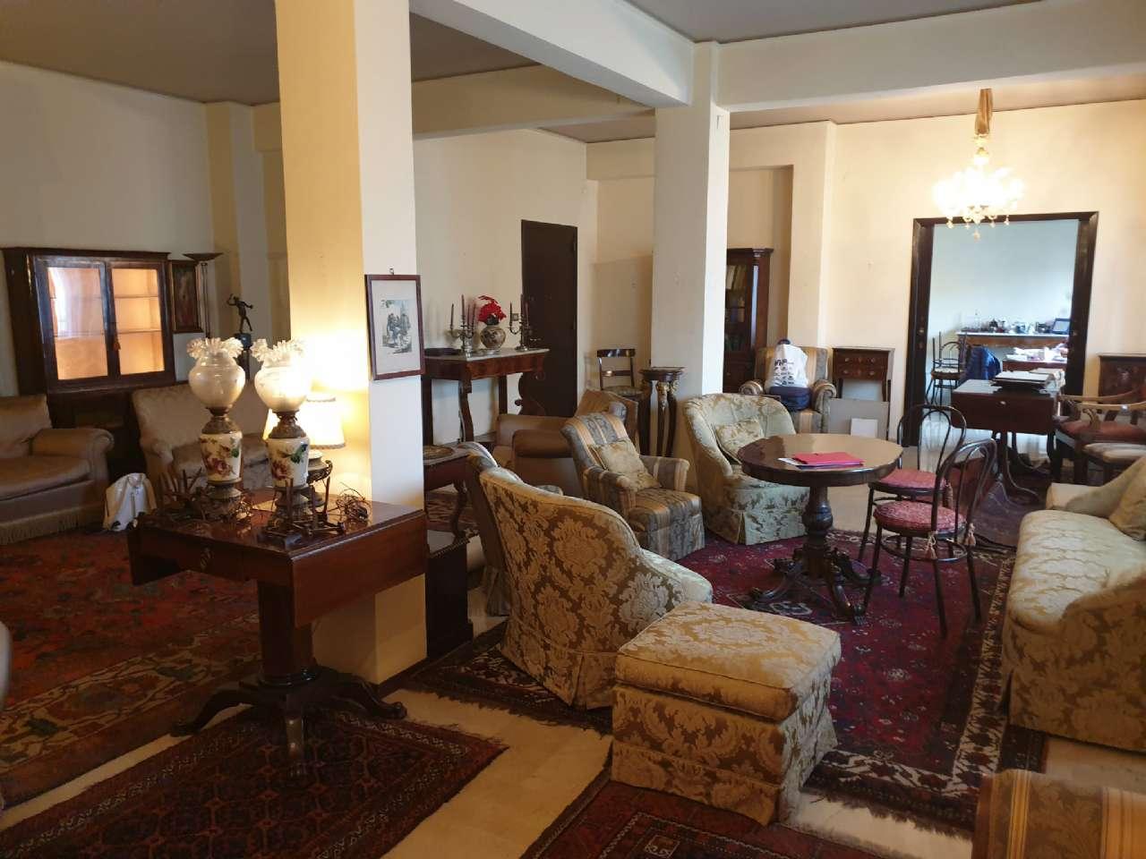 Palermo - Libertà - Ampio appartamento con terrazzo e due balconi, foto 2