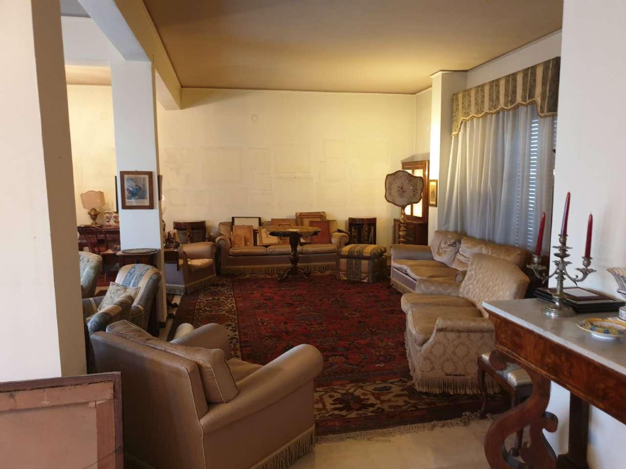 Palermo - Libertà - Ampio appartamento con terrazzo e due balconi, foto 10