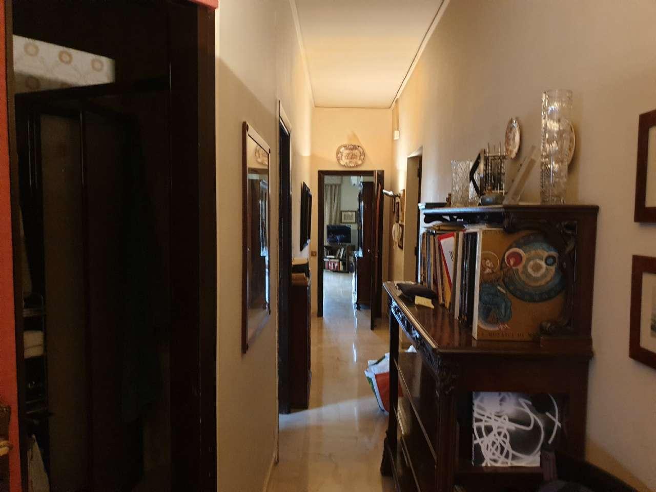 Palermo - Libertà - Ampio appartamento con terrazzo e due balconi, foto 6