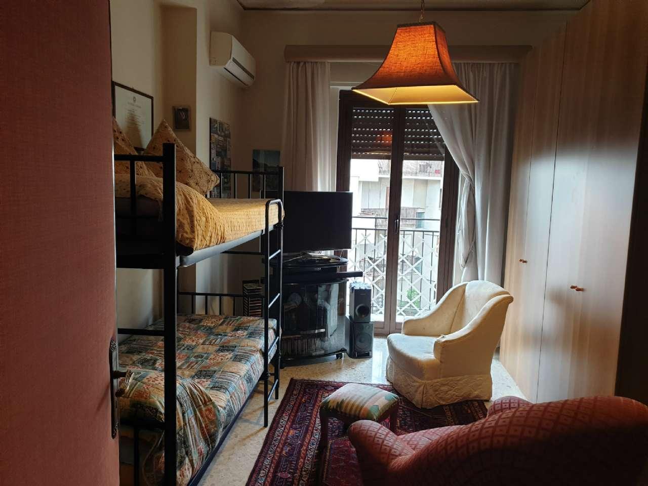 Palermo - Libertà - Ampio appartamento con terrazzo e due balconi, foto 8