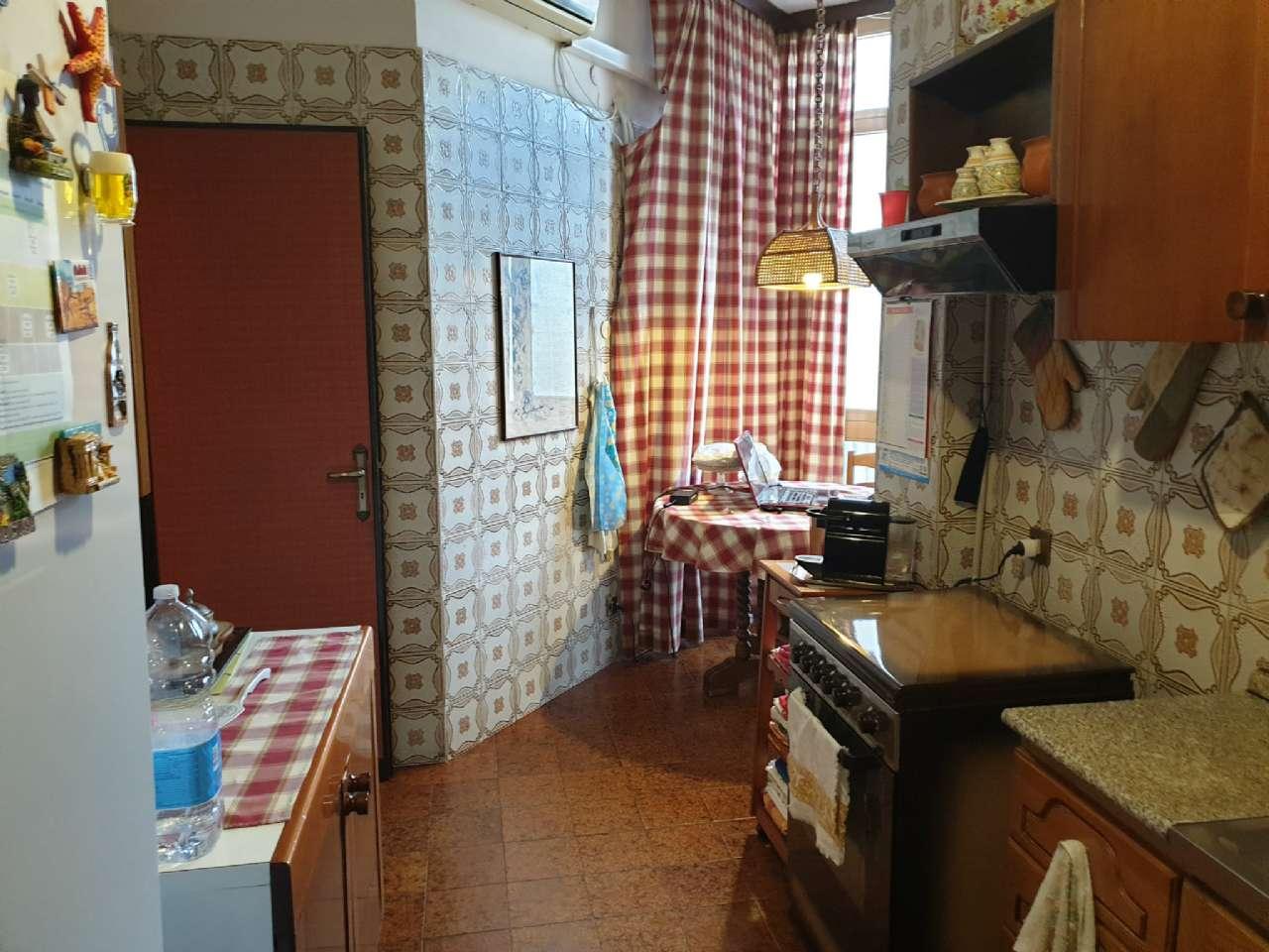 Palermo - Libertà - Ampio appartamento con terrazzo e due balconi, foto 11