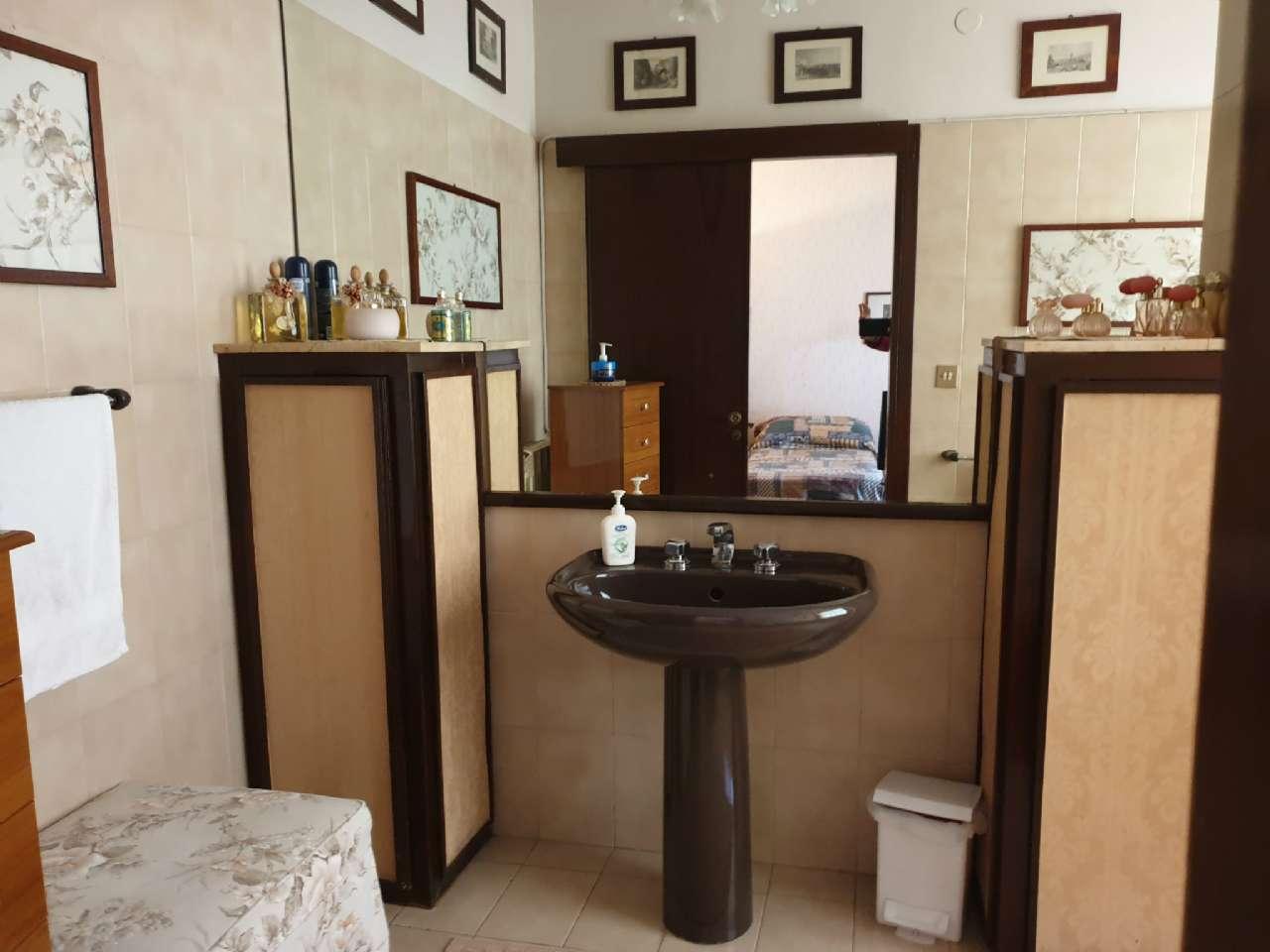 Palermo - Libertà - Ampio appartamento con terrazzo e due balconi, foto 9