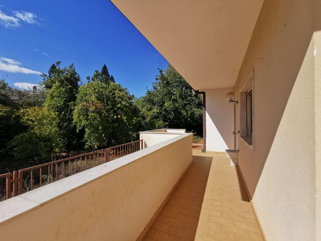 Villa singola, Via Basilea, Mondello, Palermo, foto 2