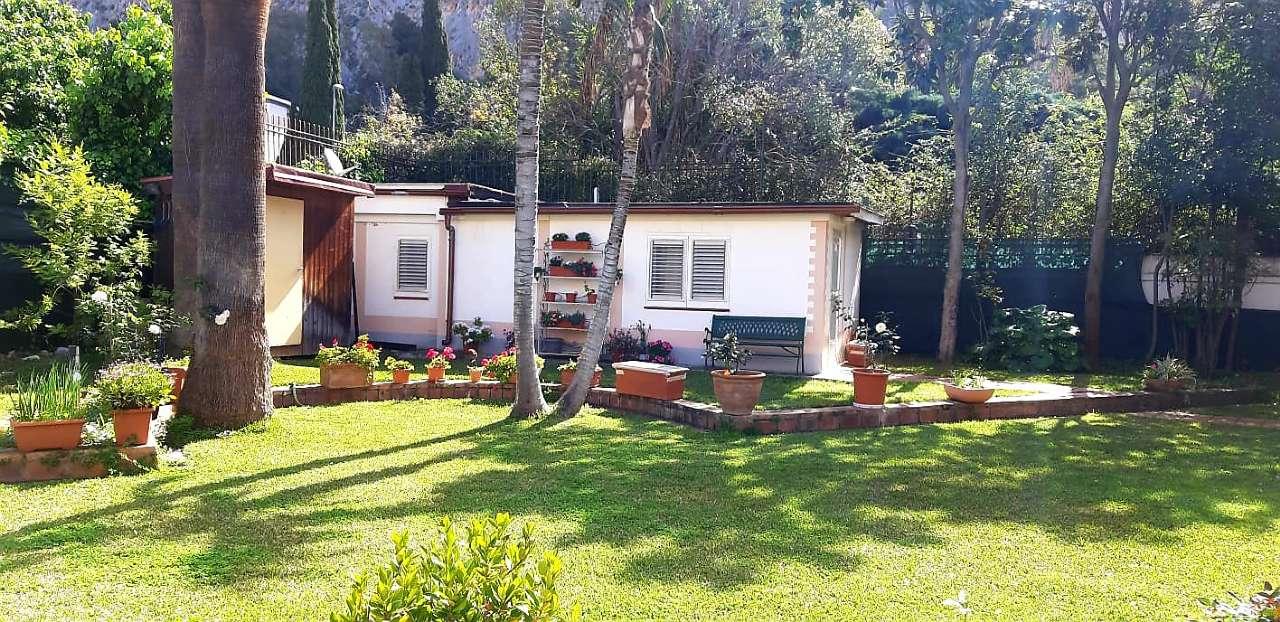Villa, Viale Orfeo, Mondello, Palermo, foto 1